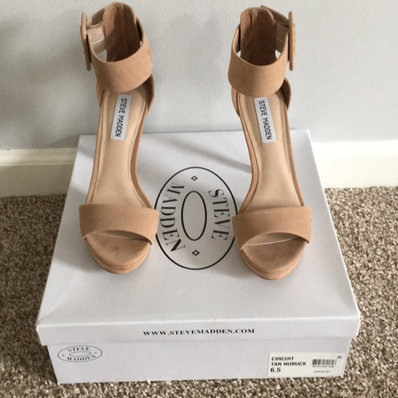 f37ceb8e32800 Steve Madden Circuit Tan Nubuck Size 6.5. M_5a8333383316279a39f72826. Other  Shoes ...